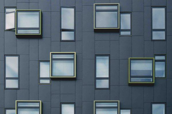 grau gruene Fassade